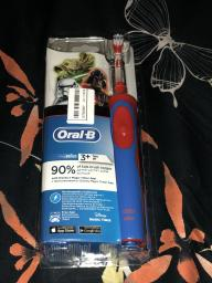 Електрична зубна щітка ORAL-B BRAUN Stage Power/D100 StarWars (4210201245117) фото від покупців 1