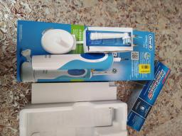 Електрична зубна щітка ORAL-B BRAUN Vitality CrossAction/D100 Blue (4210201262336) фото від покупців 17
