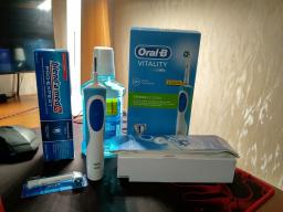 Електрична зубна щітка ORAL-B BRAUN Vitality CrossAction/D100 Blue (4210201262336) фото від покупців 24