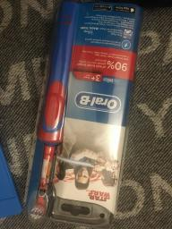 Електрична зубна щітка ORAL-B BRAUN Stage Power/D100 StarWars (4210201245117) фото від покупців 8
